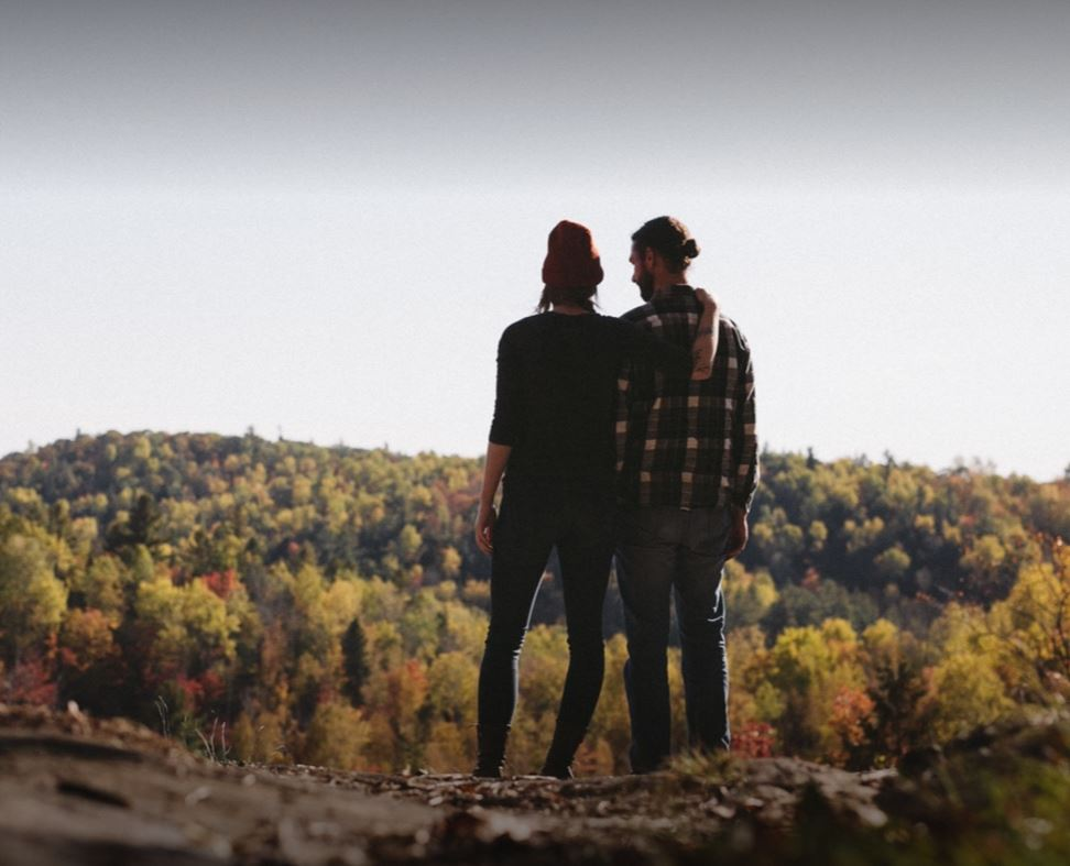 Valentine's Day Ideas for Outdoorsy Couples | Natura Wines