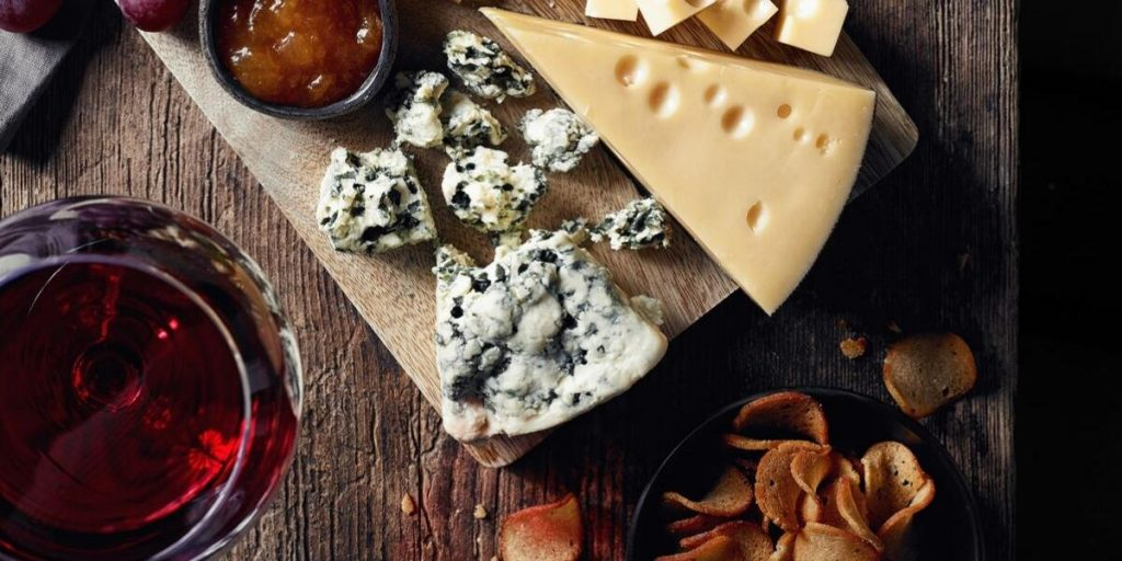 Malbec food pairing, Malbec cheese pairing